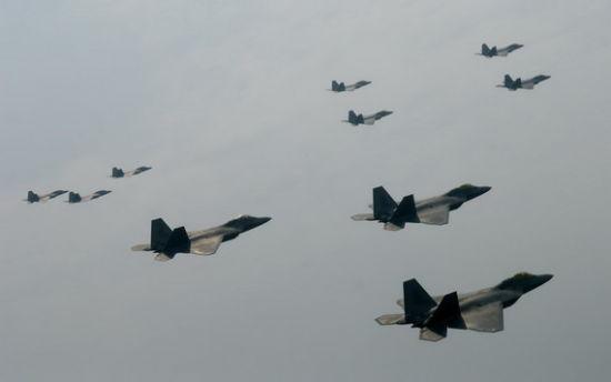 F22机群编队