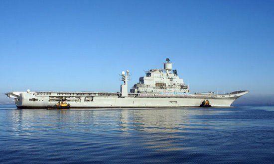 """由于动力装置出现问题,""""维克拉马迪特亚""""号航母的海试被迫中断,目前该航母正返回Sevmash船厂对出现故障的蒸汽锅炉进行检查和维修"""