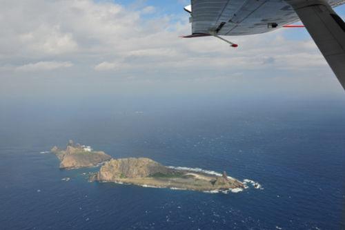 从中国海监飞机内俯拍钓鱼岛