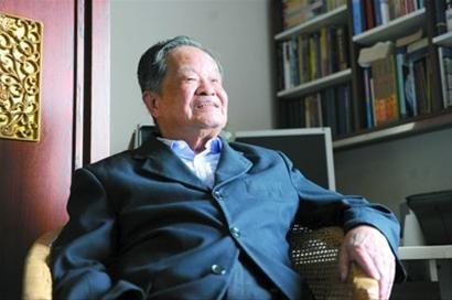 著名造船专家杨�┰菏�