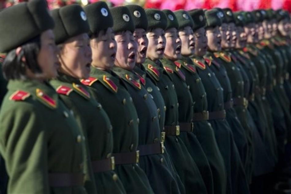 朝鲜人民军誓言坚决粉碎来犯之敌