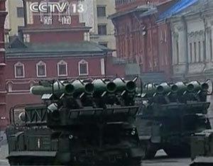 SA-17M2防空导弹在红场接受检阅
