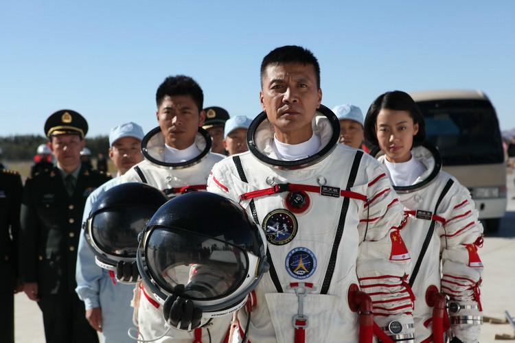《飞天》剧照:张天聪带领的备份航天员