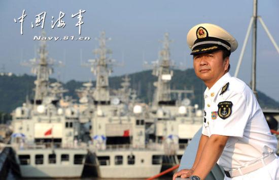 王晓侠与新型舰艇