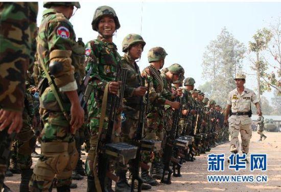 部署在与泰国存在争议的柏威夏寺附近的柬埔寨军队。