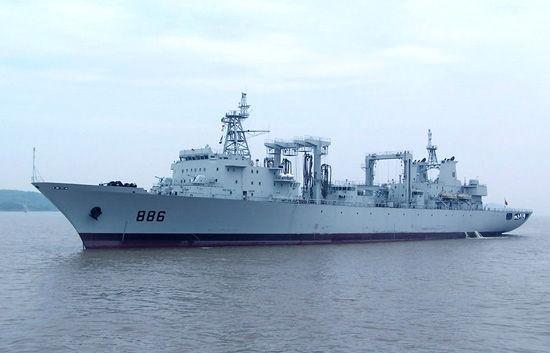 资料图:中国海军903型综合补给舰886号