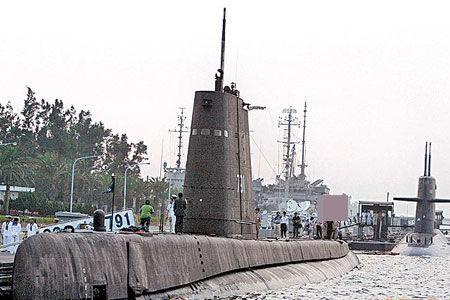 资料图:在台军服役逾60年的海狮潜艇。