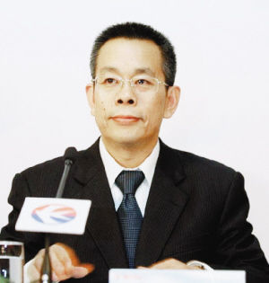全国人大代表、东航集团党组书记马须伦。