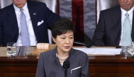 当地时间5月8日,到访的韩国总统朴槿惠在美国国会发表英文演说。