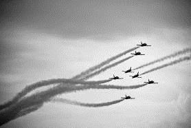 百年灵喷气机队亮相 2013中国新疆•克拉玛依航空旅游节