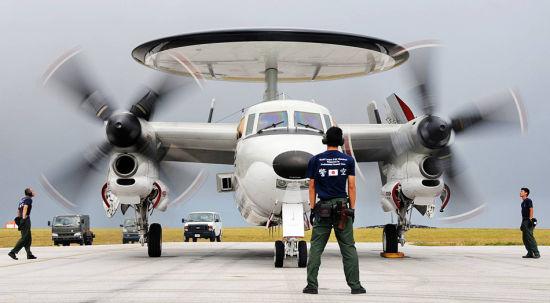 日本空中自卫队的E-2C预警机