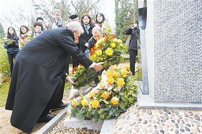 两名南京大屠杀幸存者赴日证言