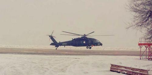 中国新型直-20军用直升机成功首飞