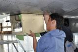 飞机电子舱安装设备