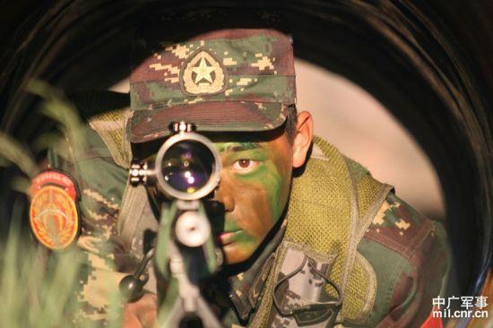 资料图:北京军区狙击手