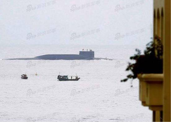 资料图:印度媒体公布疑似是中国094战略核潜艇在斯里兰卡上浮的照片