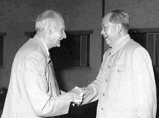 资料图:1961年毛泽东在武汉接见蒙哥马利。