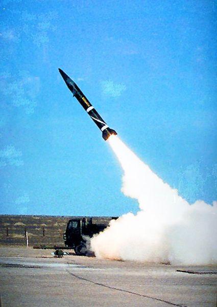 资料图:中国外贸出口B611型战术导弹发射图