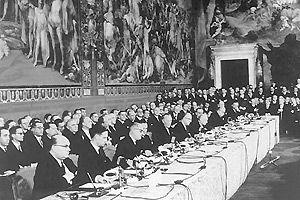 1957年3月25日《罗马条约》签订,这是欧盟前身。