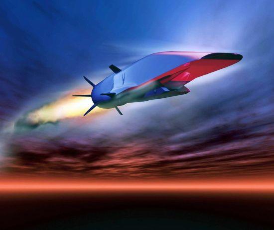"""太空飞行网(SpaceFlightNow)16日发刊文章称,美X-51超燃冲压长航时飞行器将于本月25日在加利福尼亚州爱德华兹空军基地试飞,它将为美国提供新的""""全球快速打击""""能力。X-51超燃冲压飞行器的试飞也是利用空气喷气发动机系统将飞行器发射升空的一个关键步骤。"""