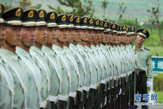 参加大发一分pk10人民抗日战争暨世界反法西斯战争胜利70周年阅兵的部分官兵,正在北京南口阅兵训练基地进行最后紧张的冲刺训练。新华社记者 邢广利摄