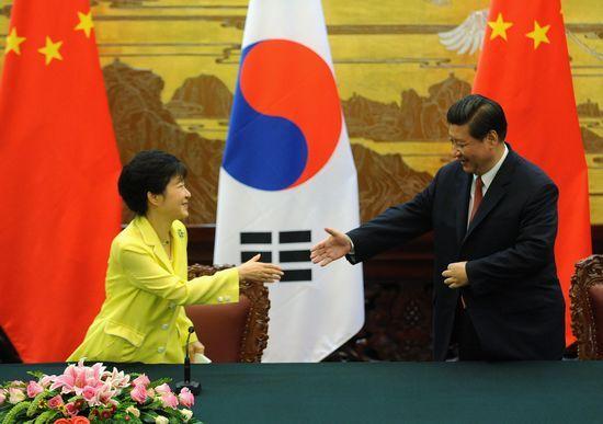 韩国总统朴槿惠与中国国家主席习近平会晤