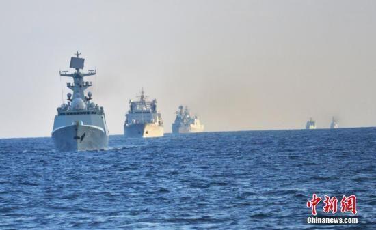 美国媒体称这是中国海军首次采取如此行动,而美国国防部称这不是威胁