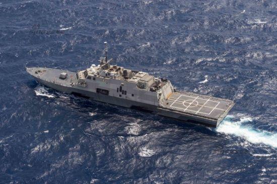 2015年7月7日,美国海军LCS-3沃斯堡号近海战斗舰在南中国海巡航。