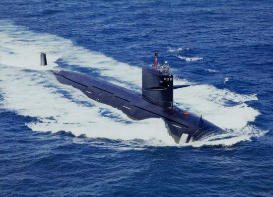 我海军最新型093级核攻击潜艇大洋护航照曝光