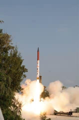 """11月9日上午9:45,印度发射""""烈火4""""中远程导弹"""