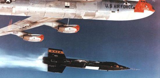 美国X-15火箭飞机,最大飞行速度达到了5.9倍声速