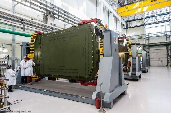 俄绝密S400生产车间曝光,厂内展示众多先进数控机床和加工设备,一扫西方批评其落后的工业生产。
