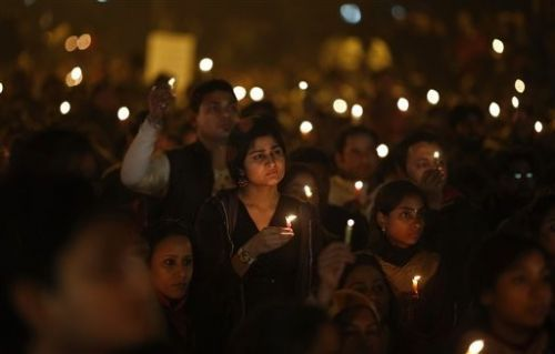 印度再曝变态轮奸案嫌犯拍摄不雅画面并敲诈