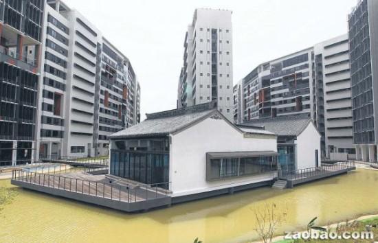 成龙赠新加坡一大学中国古楼 新报:成永久地标