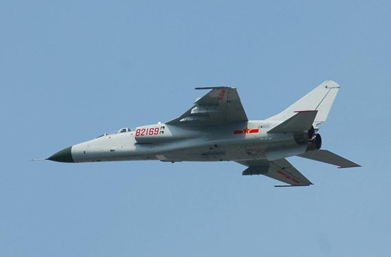 图文:中国国产飞豹战机飞行训练