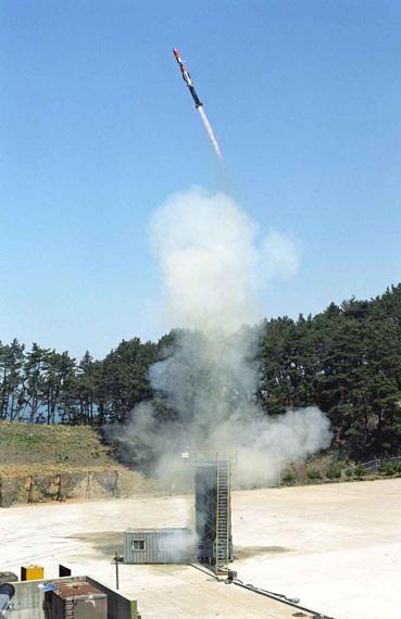 图文:韩国国产K-ASROC垂直发射导弹试验