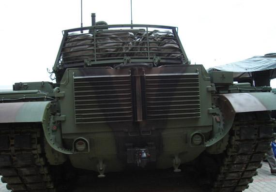 M60T主战坦克尾部动力舱散热窗