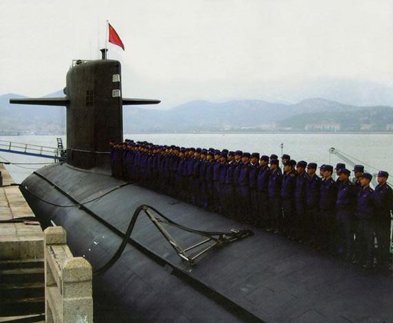 图文:中国潜艇官兵在新型核潜艇上
