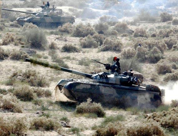 图文:中巴联合生产的哈利德主战坦克价格较为低廉