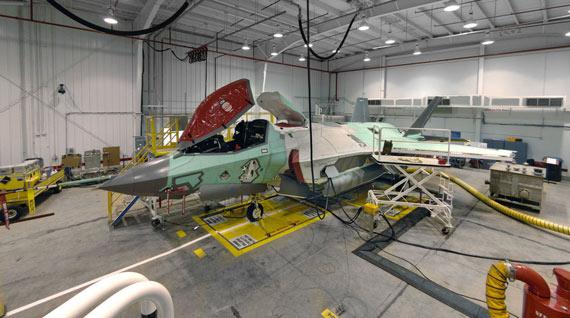 美军出资22亿美元购买12架F-35闪电II战机(图)
