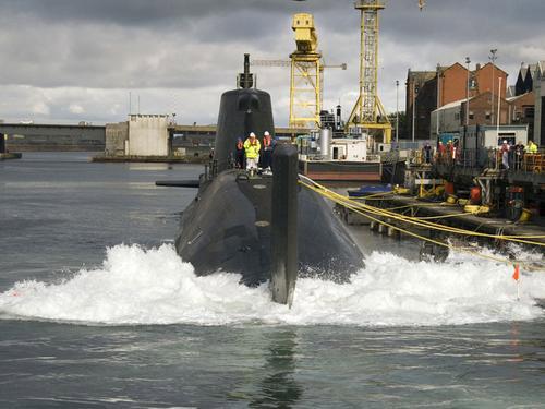 英国皇家海军核潜艇舰员数量严重不足(组图)