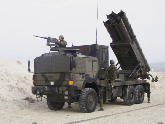 图文:中国出口到土耳其的卫士-1型火箭炮