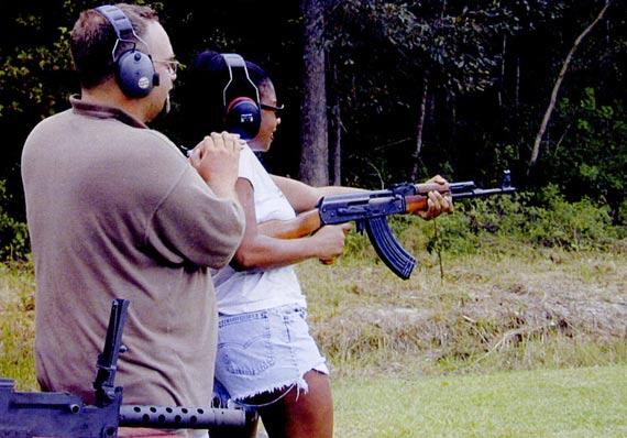 半自动版的56S步枪是深受美国枪械爱好者喜爱的一种外国枪械