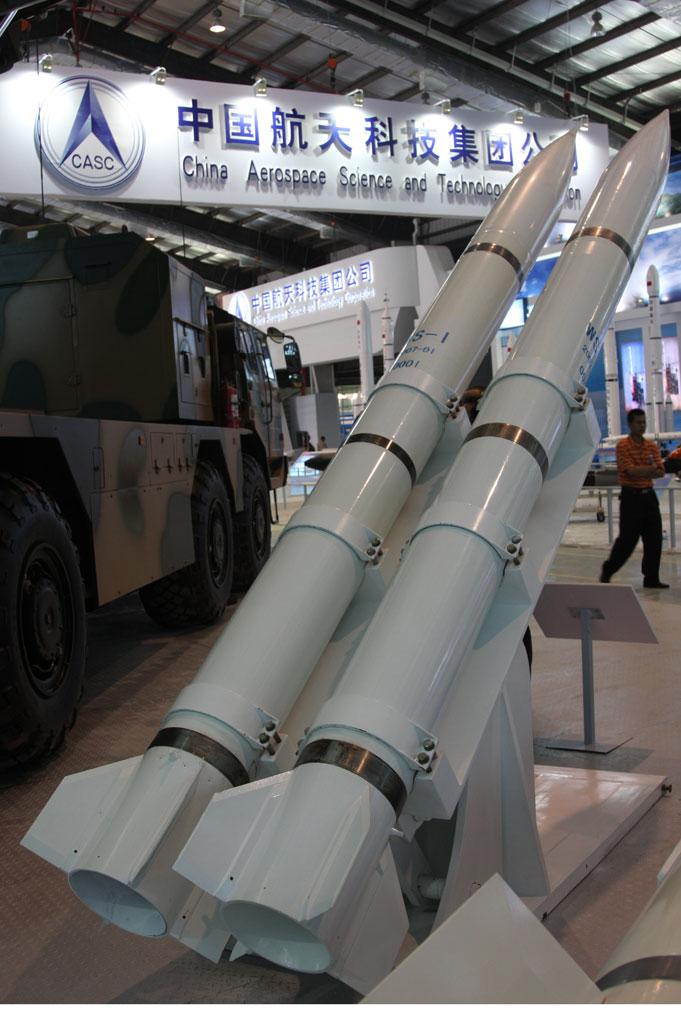 国产WS-1远程火箭炮炮弹摄影:安京新浪独家图片未经许可不得转载