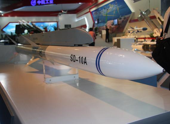 国产SD-10中程空对空拦截导弹侧视图 摄影:门广阔 新浪独家图片,未经许可不得转载