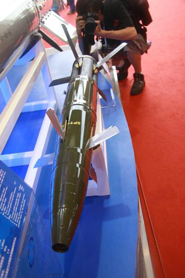 国产GP-1型155mm炮射激光制导炮弹做工比较精细摄影:门广阔新浪独家图片,未经许可不得转载