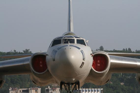 中国空军现役轰油六型空中加油机摄影:门广阔