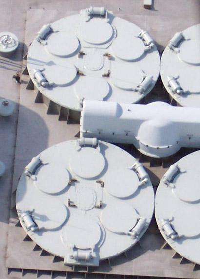 资料图:我海军052C级舰海红旗9远程舰载防空武器垂直发射系统