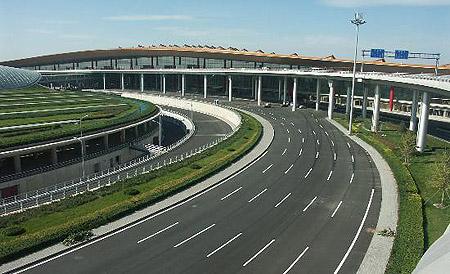 首都机场三号航站楼主楼竣工(组图)