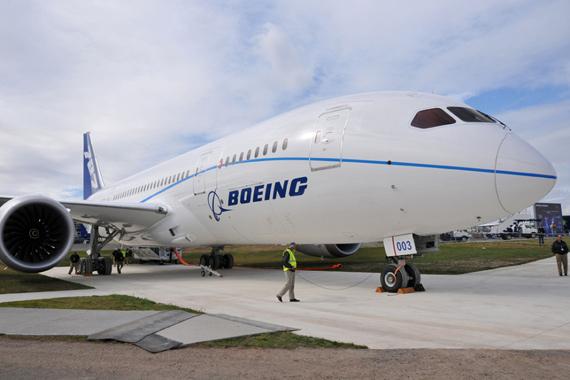 波音787梦幻客机交付日期推迟至明年初
